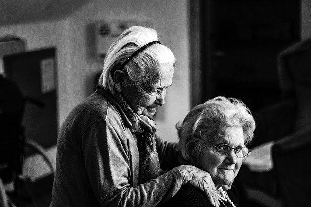 dvě seniorky